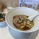 北浦中華そば いっかん - キレ醤油煮干しそば、チャーシュー丼