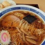 大信中華料理店 - 本日のランチのラーメン