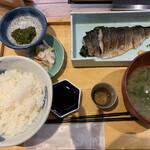 いまがわ食堂 - 大トロ炙りサバ定食