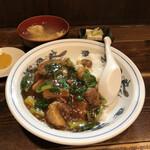 星華園 - 料理写真:特製飯(バラ肉、青菜の煮込み)¥870
