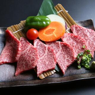 こだわりの国産食材。厳選した松阪牛や黒毛和牛をご堪能あれ