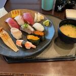 魚貝亭 - 料理写真:魚貝亭にぎり