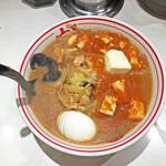 蒙古タンメン中本 - 「蒙古タンメン」+「スライス卵」+「バター」¥960