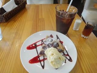 フロム・ハンド・トゥ・マウス - 【スイーツセット】ダークチェリーのタルト&アイスコーヒー