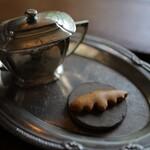 真古館 - 料理写真:蝙蝠クッキー