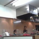新とんこつ大学 - 厨房広め。席数は15くらい?