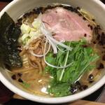 麺たつ - 揚げネギ塩ラーメン 680円