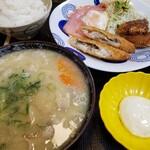 銀シャリ亭 - 料理写真:豚汁と白身魚とハムエッグ定食