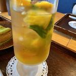 築地本願寺カフェ Tsumugi - 八朔の紅茶