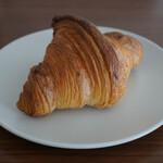 ブーランジェリー ヴェリテ - 料理写真:・クロワッサン 190円/税抜