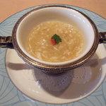 1378002 - 阿波尾鶏のすり流しふかひれスープ