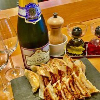 スタンドシャン食 -Tokyo赤坂見附- Champagne & GYOZA BAR