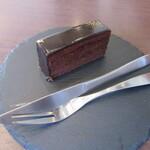プレスキルショコラトリー - プティガトーの「ショコラ」