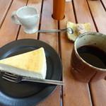 カフェ 崖の上 - ニューヨークチーズ