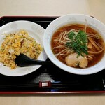 稲岡廣東料理店 - 料理写真:ラーメンセット(850円)