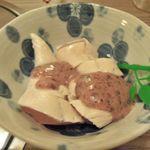 あみ焼はし本 - 梅肉あえ \320