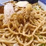 八ちゃんラーメン - 煮干し中華そば(大;身入りトッピング)(コショウが合います)