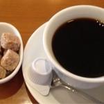 ビッテ - 午後1時以降はサービスのコーヒー。