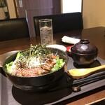 伊丹 肉酒場 肉ばっかやん - 牛カルビのスタミナ焼肉丼セット