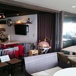 カフェ ペリペリ - バリをイメージしたカフェスペース