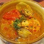 13787360 - 魚料理(サーモンと浅利の漁師風)