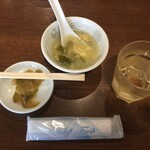 Tenfuen - ランチの玉子スープとザーサイ