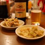 餃子専門店 祥雲 - 搾菜(300円)・葱油鶏(350円)