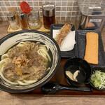 香川 一福 - 2020年10月土日祝日限定セット  肉うどん(大400g 温)と、ちくわ天と紅天(海老天)  セット¥1.000