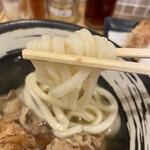 香川 一福 - うどんはコシはそこそこで塩分高めですが美味しい