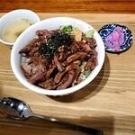 食堂 肉左衛門 - ステーキ丼200グラム1200円