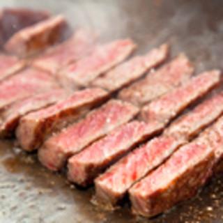 松坂牛や特選黒毛和牛をどうぞ!調理を目の前でご覧いただけます。