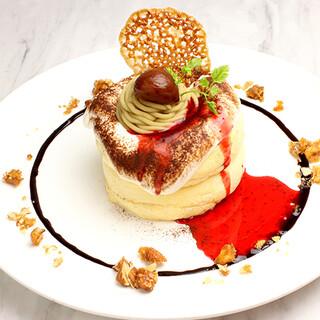 和栗のモンブランスフレパンケーキ