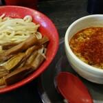 勢拉 - つけ麺(中盛・極太黒メンマ、辛味トッピング)
