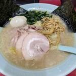 ラーメンショップ 金田亭 - チャーシューメン  ¥850    味玉  ¥100(クーポン)