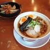 福一 - 料理写真:あっさり醤油の煮たまごラーメン(並)+鉄鍋ギョーザ(小) 1287円