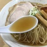 煮干鰮らーめん 圓 - 「圓」独特の煮干しスープ