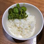 麺家 黒 - ライスハーフ