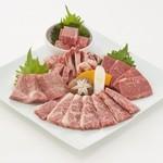 ひがしやま - 料理写真:豪華盛 \3629(税別) 国産牛のカルビ・ロースなど 総量400g