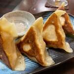 137906875 - 燻製海鮮餃子(4ケ)520円