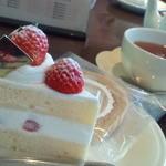 ペールノエル - 料理写真:苺のショートケーキ、アールグレイ