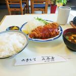 三春屋 - ロースかつ定食