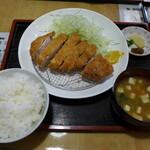 とんとん亭 - ロースカツ定食(1,100円)