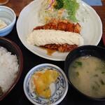 なか食堂 - 料理写真:鶏竜田揚げご飯大盛り