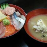 137930072 - 市場海鮮丼 1480円(税別)