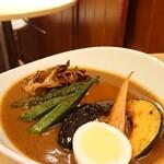 ローストビーフ丼&スープカリー くまちゃん - チキンカリー ¥1100 *辛さ④(無料上限)