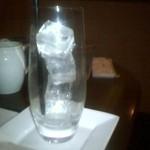 13794673 - アイスカフェオレ、氷の入ったグラス、ストローが黒でお洒落です
