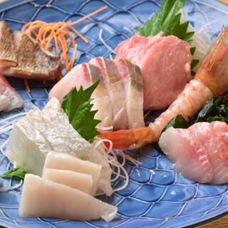 三浦直送の鮮魚を使用した絶品魚料理も◎