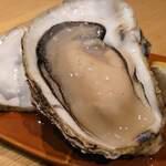 個室 肉炉端居酒屋 九州うまか屋 - 生牡蠣 (追加オーダー)