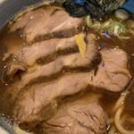 中華そば 螢 - 焼豚は厚いのが5枚