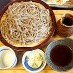 手挽きそば 蔵之内 - 海老と野菜の天ざる蕎麦(¥1350)。普通盛でもボリューム十分なのが嬉しい